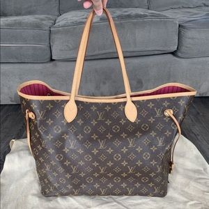 Auth. Louis Vuitton Neverfull GM w/ Pivione ✨💕